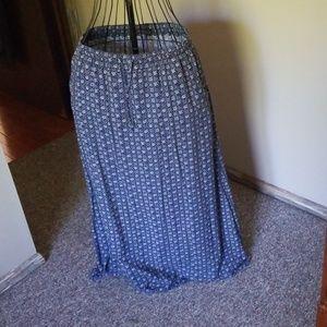 Eddie Bauer floor length skirt like new